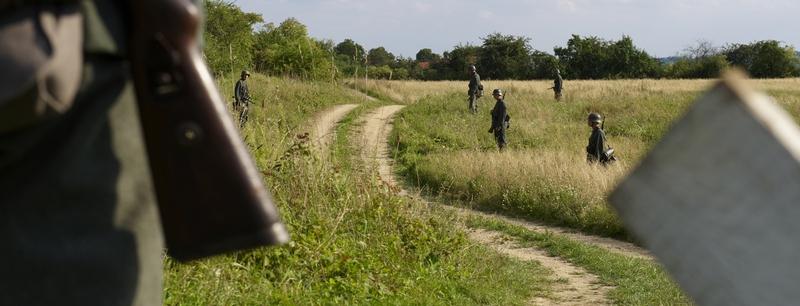Natáčení v okolí Chcebuze - němečtí vojáci hlídaji cesty do Lidic