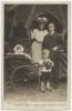 zdroj: National Portrait Gallery, Londýn; Eileen Robey; Ethel Haydon; Edward George Robey; George Robey
