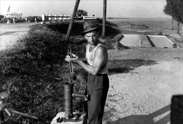 Posedlost (1943)