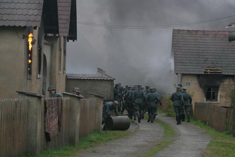 Vypálení Lidic - vojáci v Lidicích