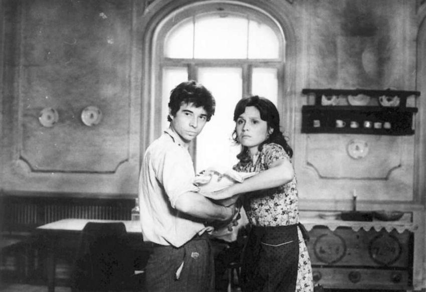 Kto odchádza v daždi (1974)