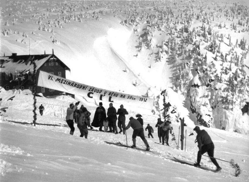 Synové hor (1956)