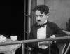 Chaplin uprchlým trestancem (1917)