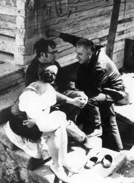 Pracovní foto: Zdena Salivarová, Josef Škvorecký a Evald Schorm