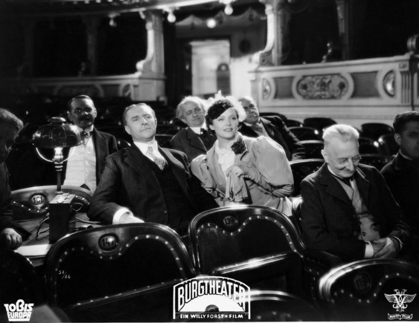 Dvorní divadlo (1936)