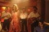 Šedý kamion červené barvy (2004)