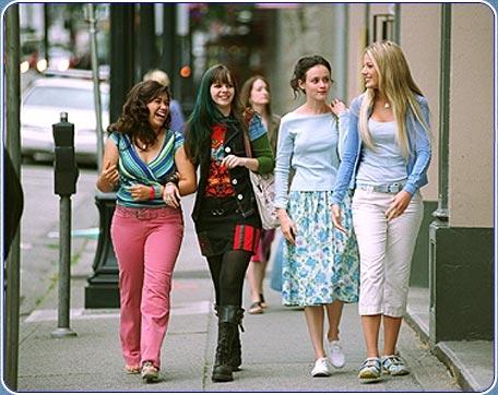 Sesterstvo putovních kalhot (2005)