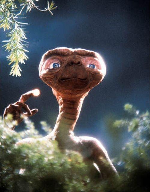 E.T. - Mimozemšťan (1982)