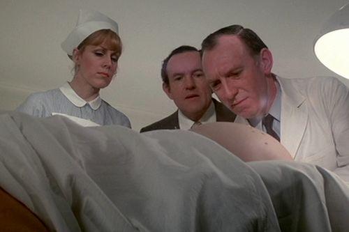 Růžový panter znovu zasahuje (1976)