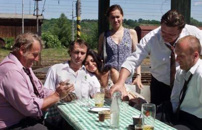Ještě žiju s věšákem, plácačkou a čepicí (2006)