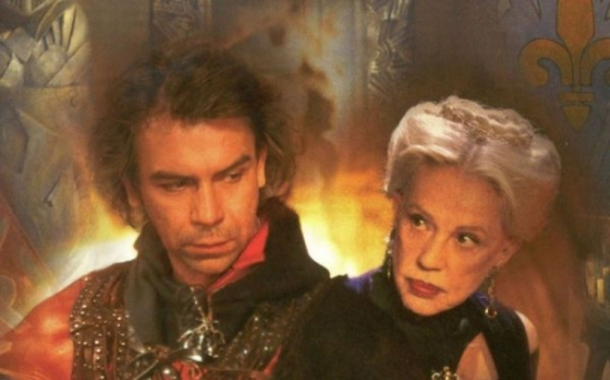 Jeanne Moreau ako Mahaut z Artois a  Philippe Torreton ako Robert z Artois