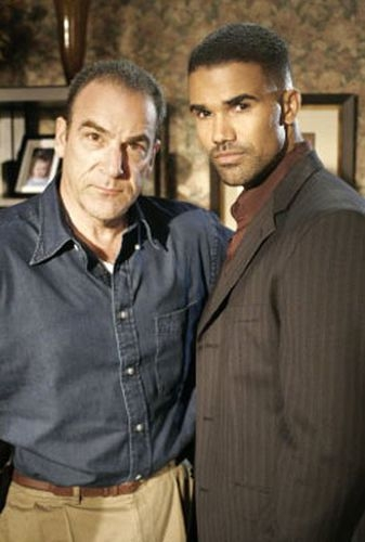 Myšlenky zločince (2005) [TV seriál] - Mandy Patinkin + Moore Shemar