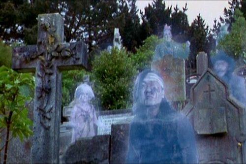 Přízraky (1996)