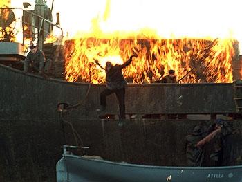 První po bohu (2005)