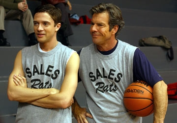 Topher Grace a Dennis Quaid