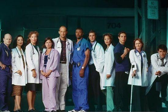Pohotovost (1994) [TV seriál] - skorem celá posádka pohotovosti