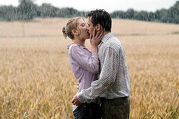 Images copyright © DreamWorks SKG Jonathan Rhys-Meyers Scarlett Johansson