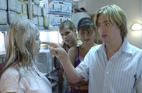 H2O: Stačí přidat vodu (2006) [TV seriál]