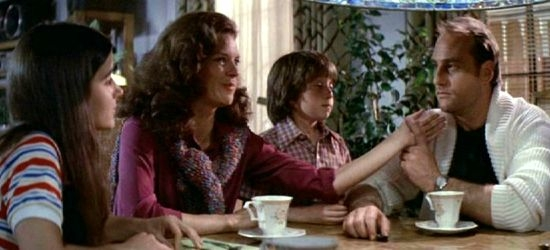 JoBeth Williams + Craig T. Nelson + Oliver Robins + Dominique Dunne
