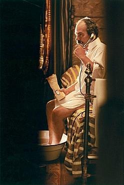 Příliš dlouhé zásnuby (2004)