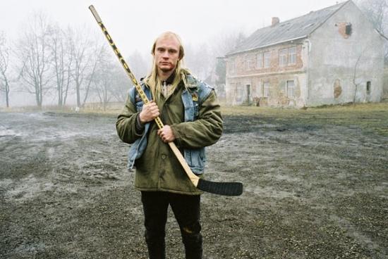 Bohouš (Jan Budař) dostal hokejku