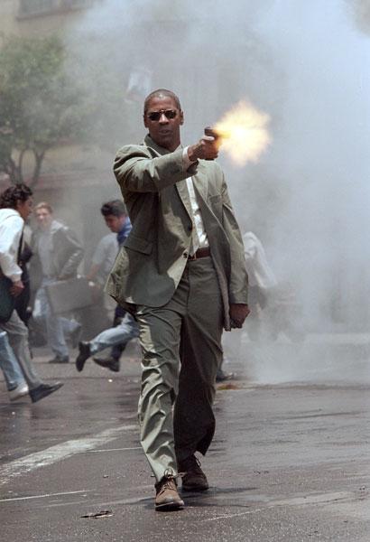 Muž v ohni (2004)