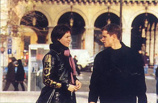 Agent bez minulosti (2002)