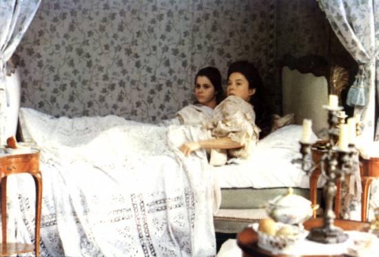 Annette Bening a Fairuza Balk