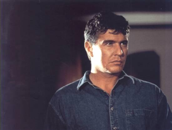 Někdo se dívá (1993)