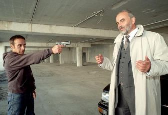 Smrt in-line (2002) [TV film]