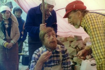 Vynes na horu svoj hrob (1979) [TV film]