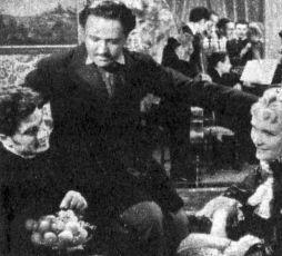 Co se šeptá (1938)