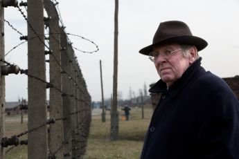 Popírání holocaustu (2016)