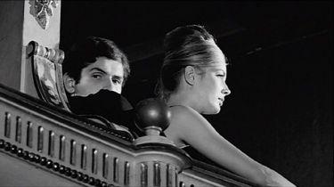Před revolucí (1964)