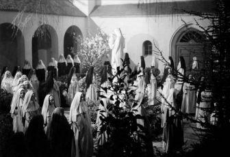 Andělé hříchu (1943)