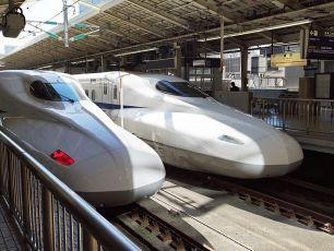 Grandiózní vlaky (2016) [TV seriál]
