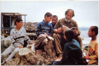 Pod olivovníky (1994)