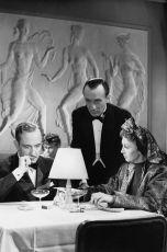 Pachatel mezi námi (1944)