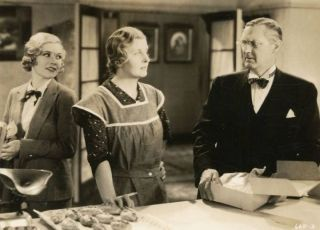 Looking Forward (1933)