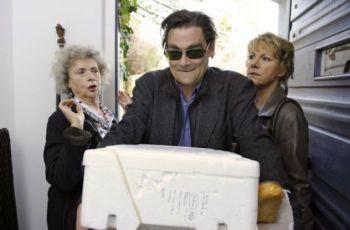 Láska mezi starožitostmi (2011) [TV film]