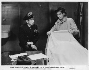 Miluji tajemství (1945)