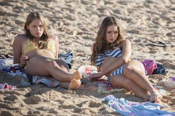 Trable s dospíváním (2012) [TV seriál]