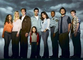 Invaze (2005) [TV seriál]