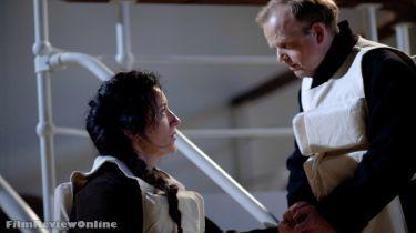 Maria Doyle Kennedy a Toby Jones