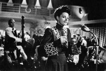 Ženy nejsou andělé (1943)