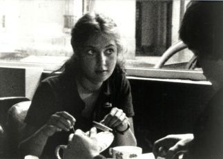 Pilotova žena aneb Nelze myslet na nic (1981)