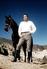 Gregory Peck jako Jamec McKay