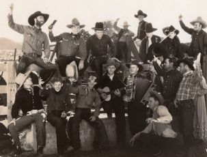 The Singing Outlaw (1938)