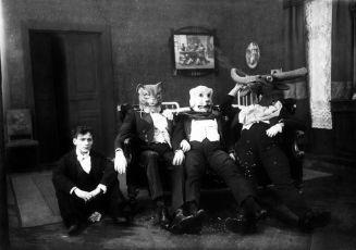 Roztržené foto (1921)