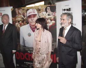 Z premiéry filmu v pražské Lucerně: Jiří Lábus, Tatiana Vilhelmová  a Oldřich Kaiser